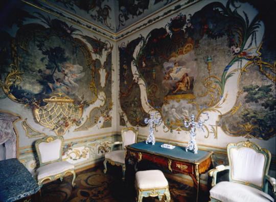 Золотой кабинет Китайского дворца в Ораниенбауме. Рококо. Изображение с сайта ru.wikipedia.org.