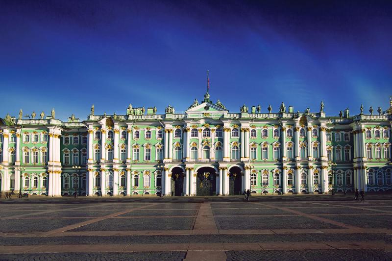 Зимний дворец - прекрасный пример пышного барокко Елизаветы Петровны. Изображение с сайта history1.ru.