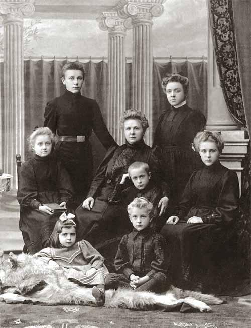 Траур по А. И. Булгакову. 1907. Изображение с сайта nasledie-rus.ru.