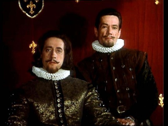 Генрих III и Шико (Евгений Дворжецкий и Алексей Горбунов).