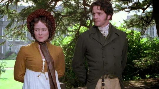 """""""Гордость и предубеждение"""", 1995. В роли Лиззи - Дженнифер Эль, в роли мистера Дарси - Колин Ферт. Из анахронизмов здесь только декольте мисс Беннет."""