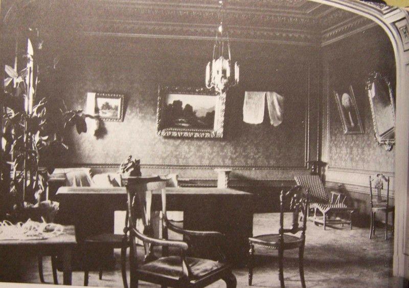 Одна из предоставленных Романовым комнат дома Ипатьева