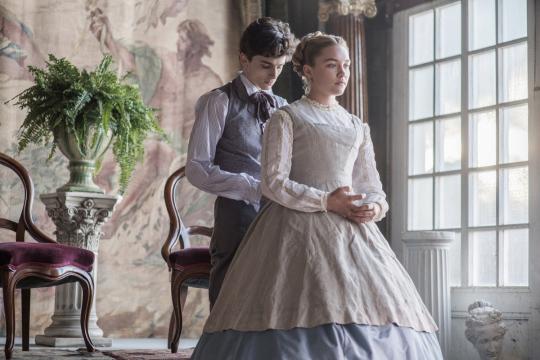 Лори и Эми. Изображение с сайта kinopoisk.ru.