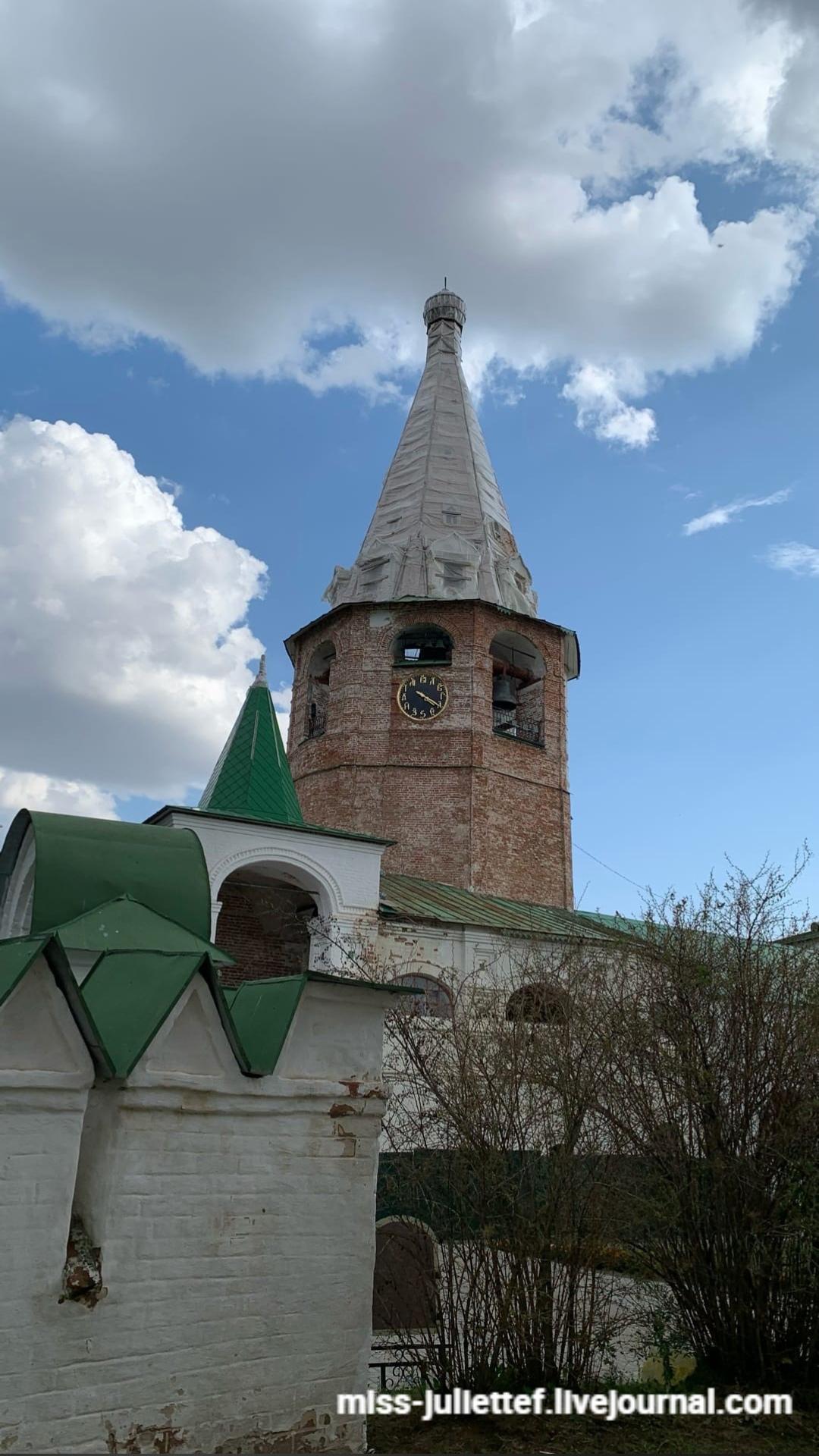 Великолепная часовая башня в Кремле.