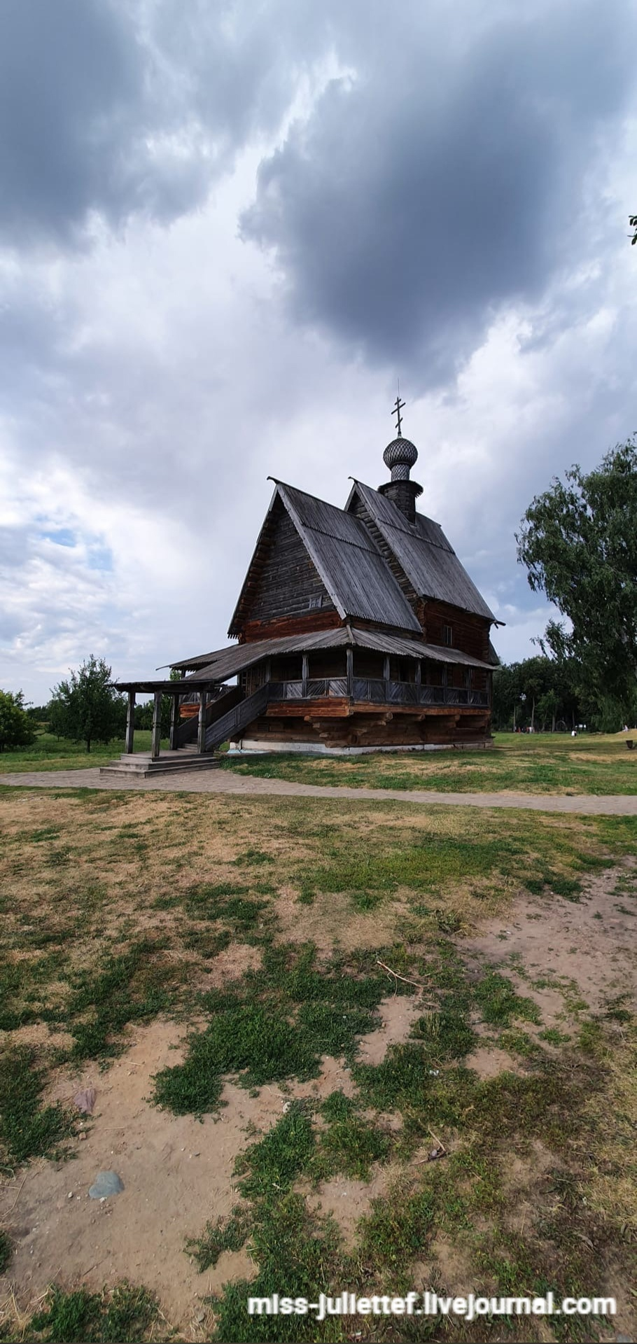 Кремль. Церковь Николы из села Глотово. Единственная за весь пост отретушированная фотография, кстати.