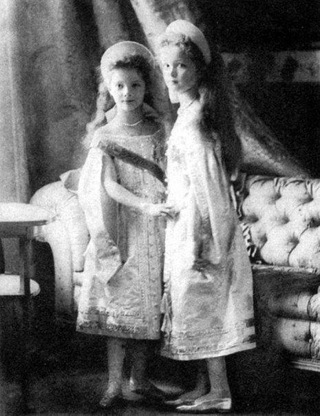 Ольга (справа) и Татьяна (слева).