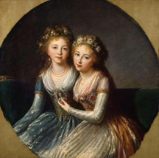Великие княжны Александра (слева) и Елена (справа) Павловны.