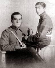 Володя с фронтовым другом, 1916.