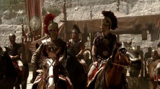 """Брут и Кассий в Македонии. Кадр из сериала """"Рим""""."""