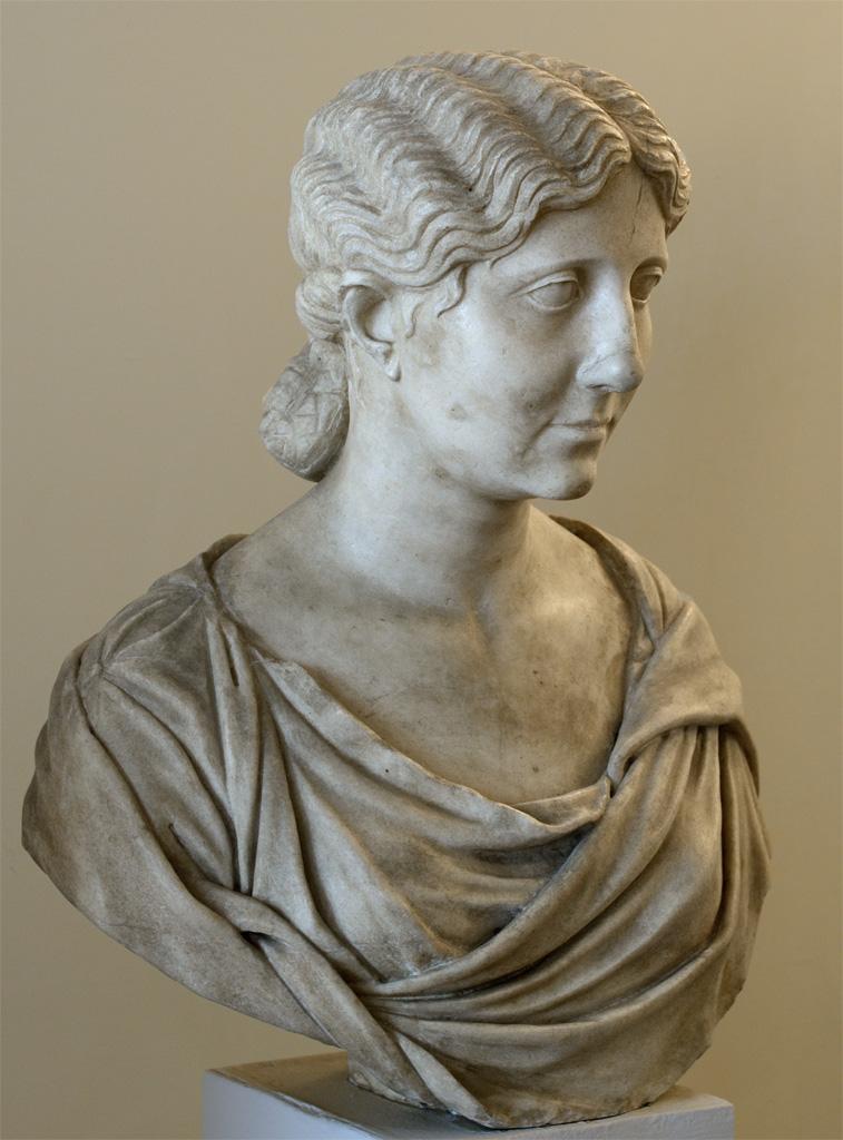 Антония Младшая, родная дочь Марка Антония и мать императора Клавдия.