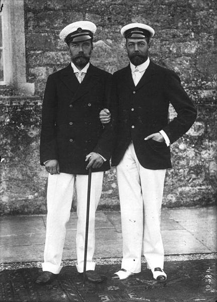 Удивительно похожие Николай II и Георг V.