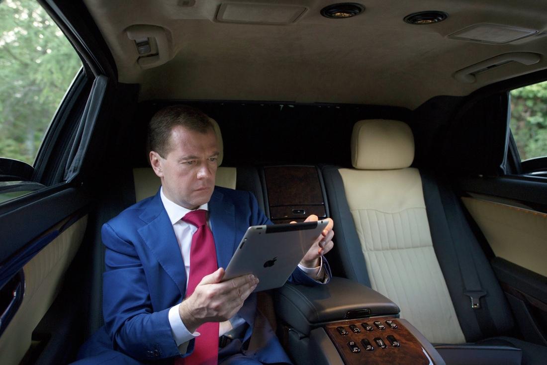 Нужен ли суд для Медведева?