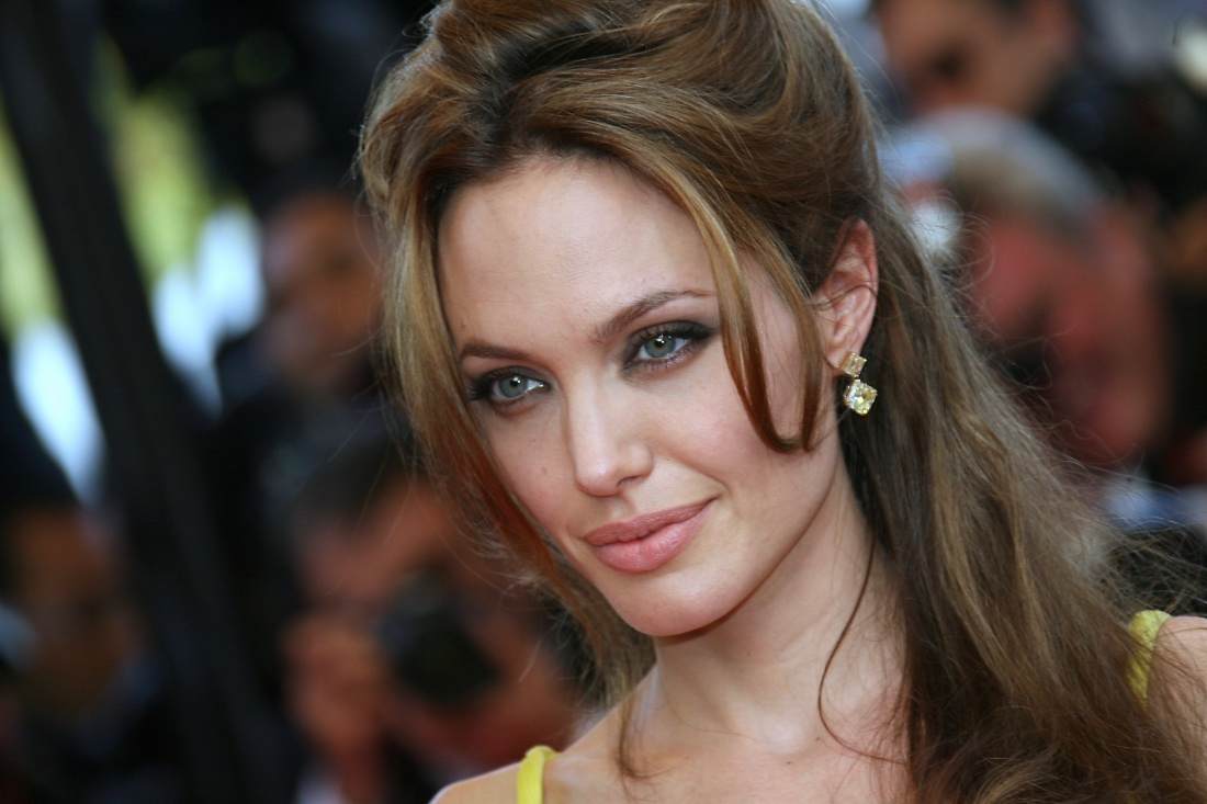 Анджелина: пусть к красоте