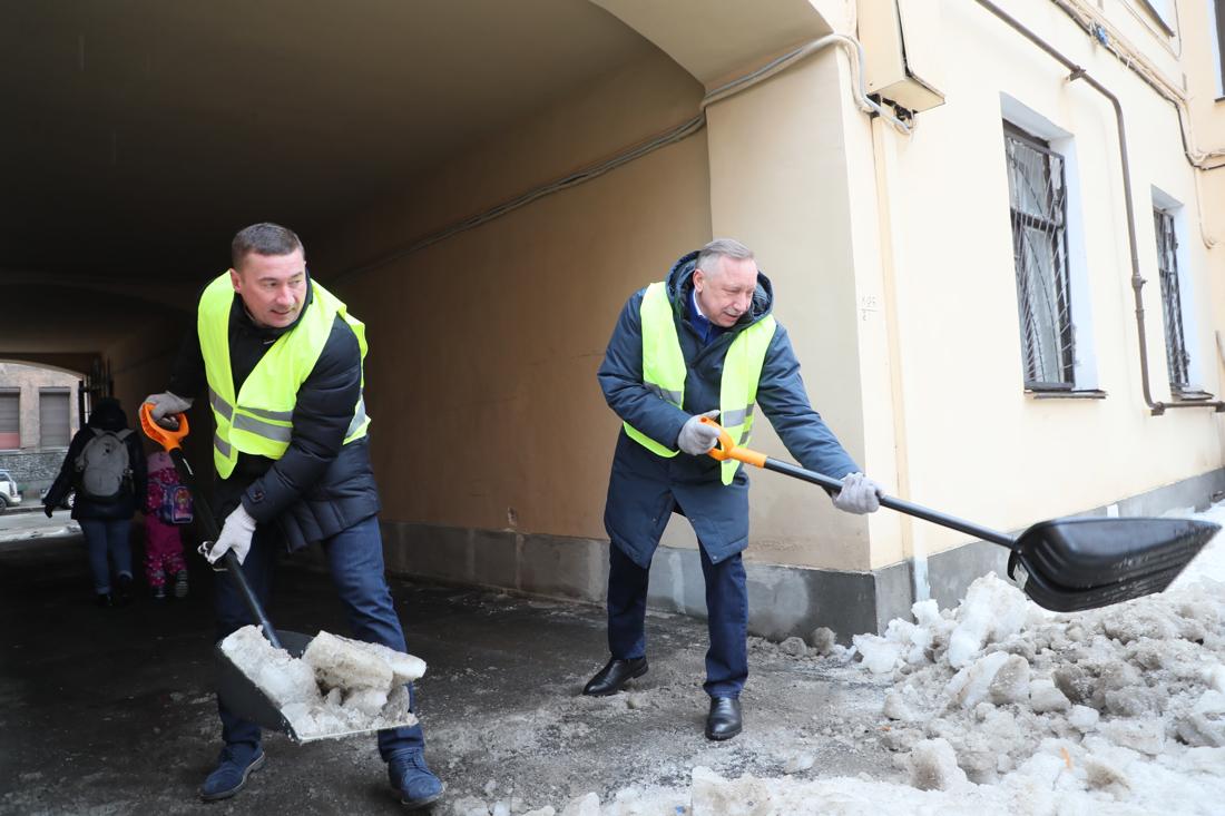Как в Питере чистят снег?