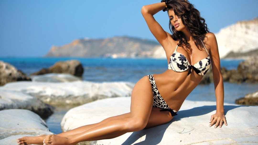 Hot-Beach-Girl-Images-Background-HD-Wallpaper-1080x607