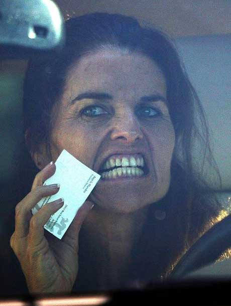 Maria-Shriver-Driving-With-Cell-Phone