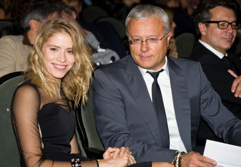 Лена Перминова со своим благодетелем А. Лебедевым