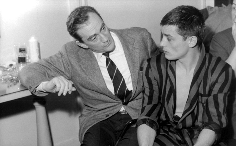 Ален Делон с кинорежиссером Лукино Висконти (слева)