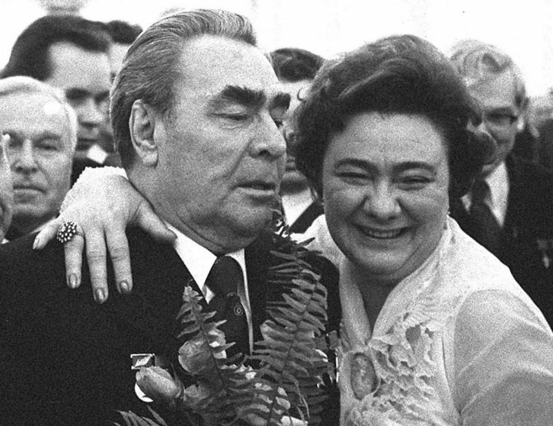 Галина с отцом Леонидом Брежневым