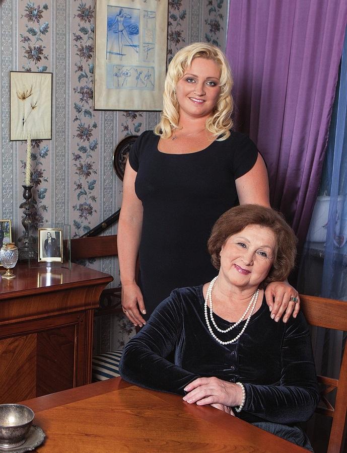 Евгения Шульц с дочерью Марией Лиепа