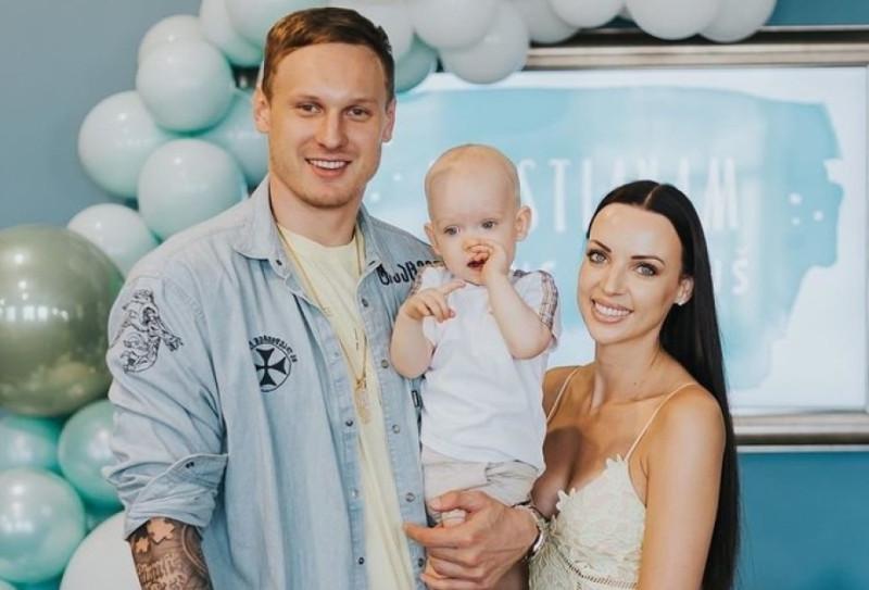 Янис Тимма с бывшей? женой Саной и сыном Кристианом