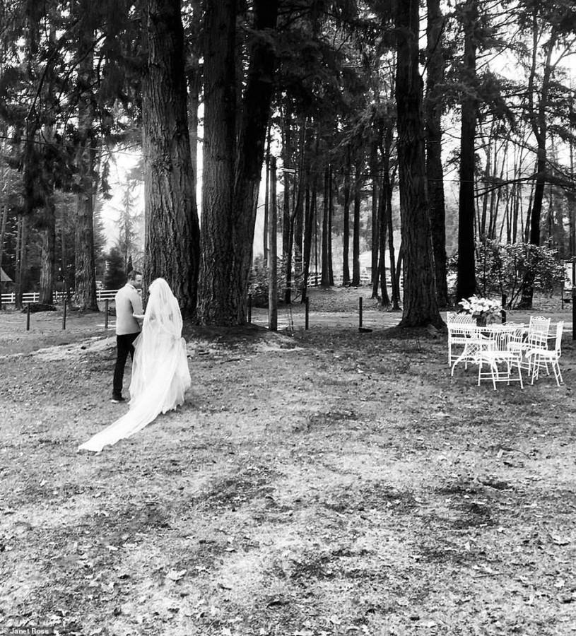 Очередная свадьба Памелы Андерсон была оформлена в винтажном стиле