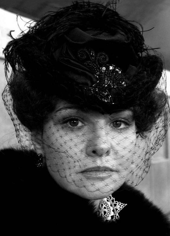 Татьяна Друбич в роли Анны, актрисе на момент съемок 40+