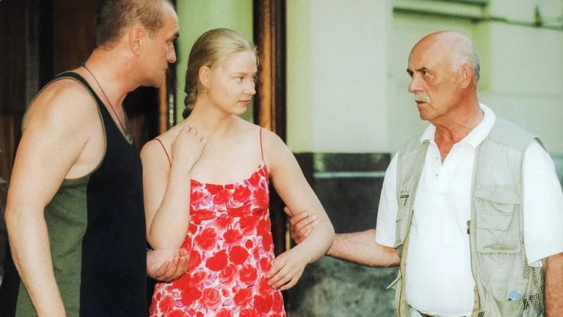Слева направо: Балуев, Ходченкова (еще пока упитанная), Говорухин