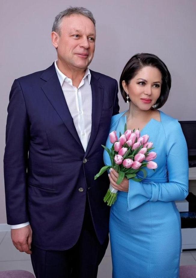 Свадебное фото Жигунова и Ворожбит