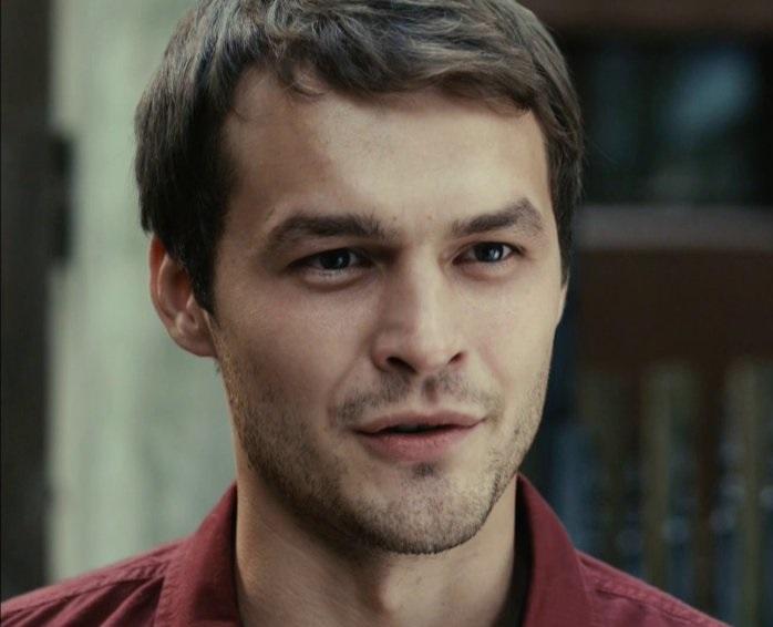 В экранизации Бортко Бездомного здорово сыграл Влад Галкин. Вот Михаил мне чем-то его напоминает.