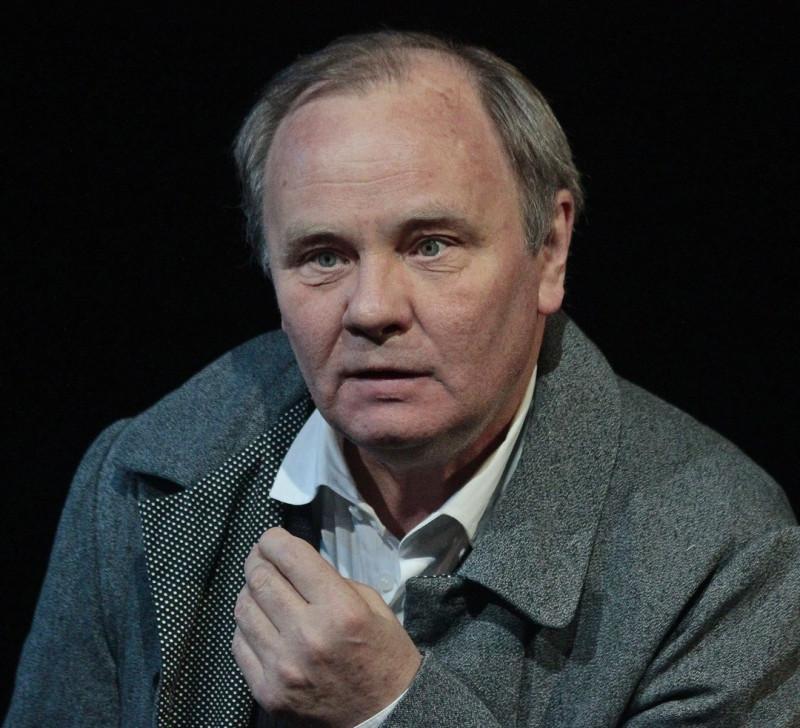 актеру Михаилу Васькову 65 лет