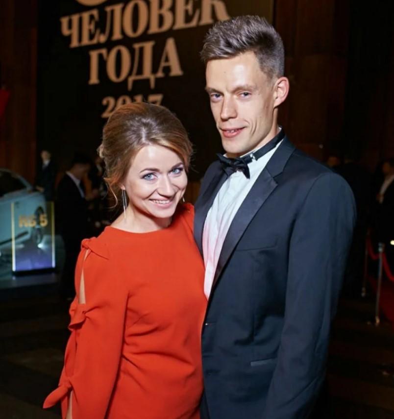 Юрий Дудь и его жена Ольга, с которой товарищ появлялся на публике от силы пару раз