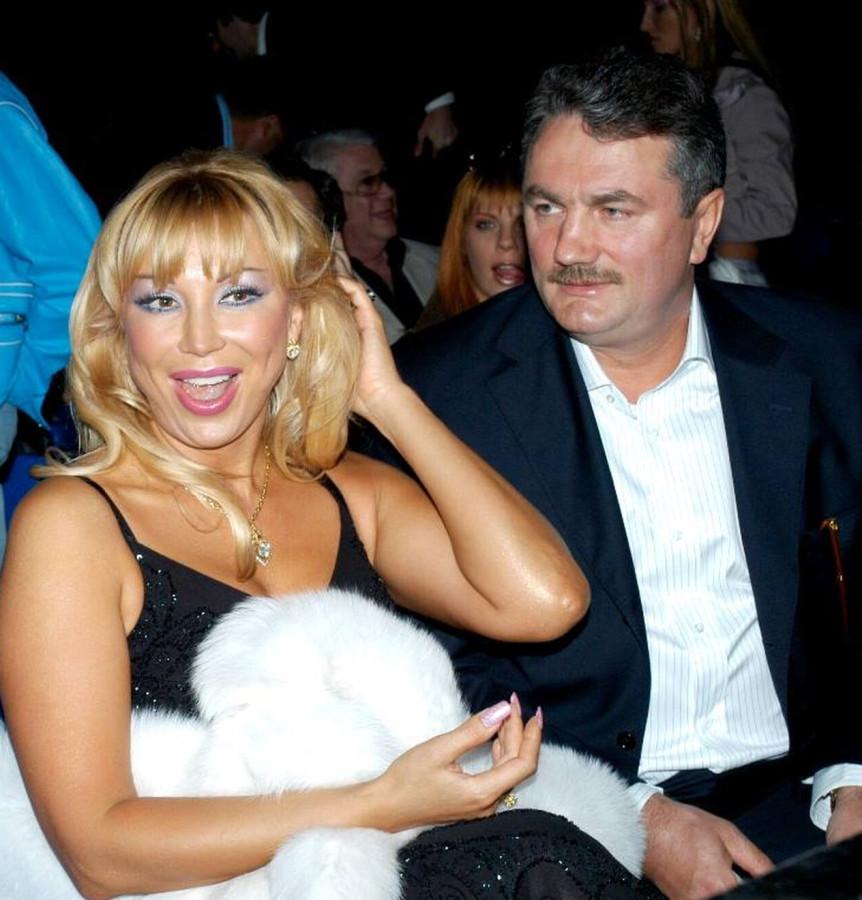Маша Распутина со своим покровителем и отцом младшей дочери — бизнесменом Виктором Захаровым