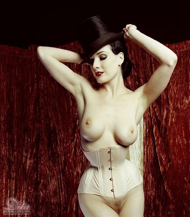 domashnie-eroticheskie-foto-nashih-zhen-tolko-lyubitelskie