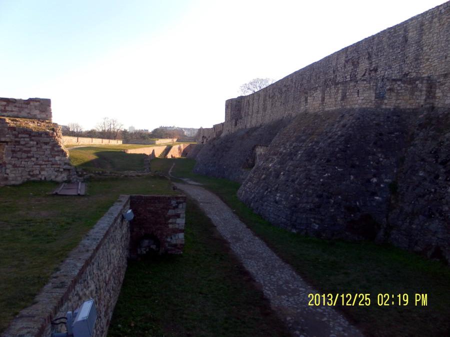 Стены средневековой белградской крепости