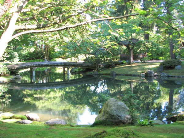 traditional bridge, Nitobe garden