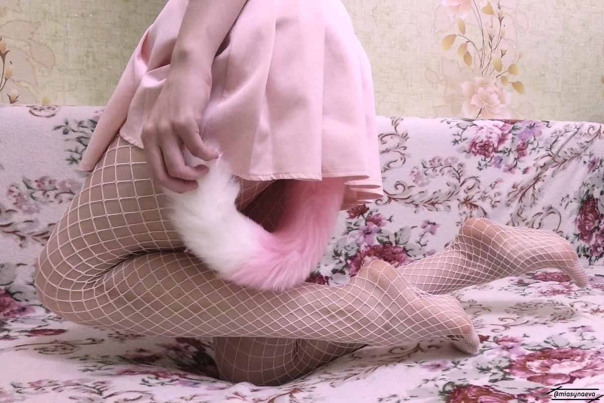 PT great pink tail Mia Synaeva 1200