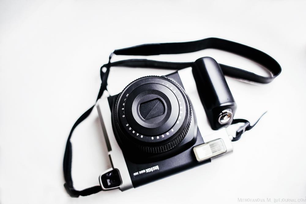 Фотокамера Instax WIDE 300