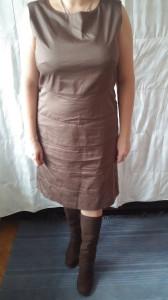 Коричневое платье 2000р