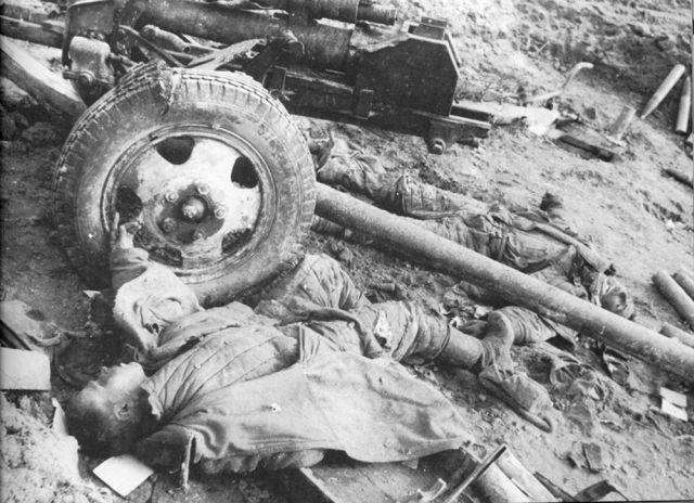 3 Погибшие советские артиллеристы