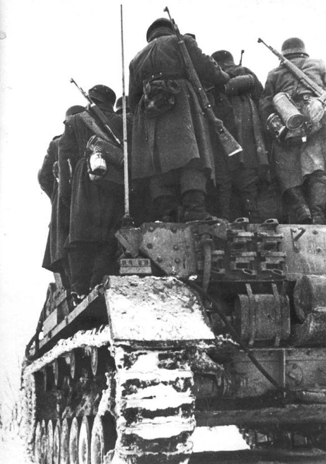 7 немецкий десант у Ростова