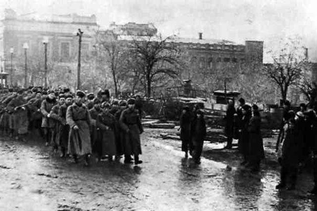 14 Войска Южного фронта в Освобождённом Ростове 1943