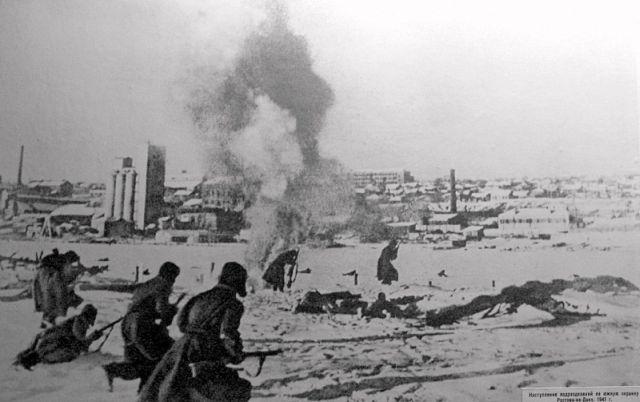 10 в атаку с Зелёного острова идёт полк НКВД