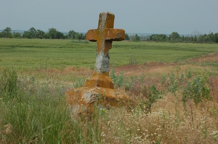 10 Памятник у Камышевского шлюза