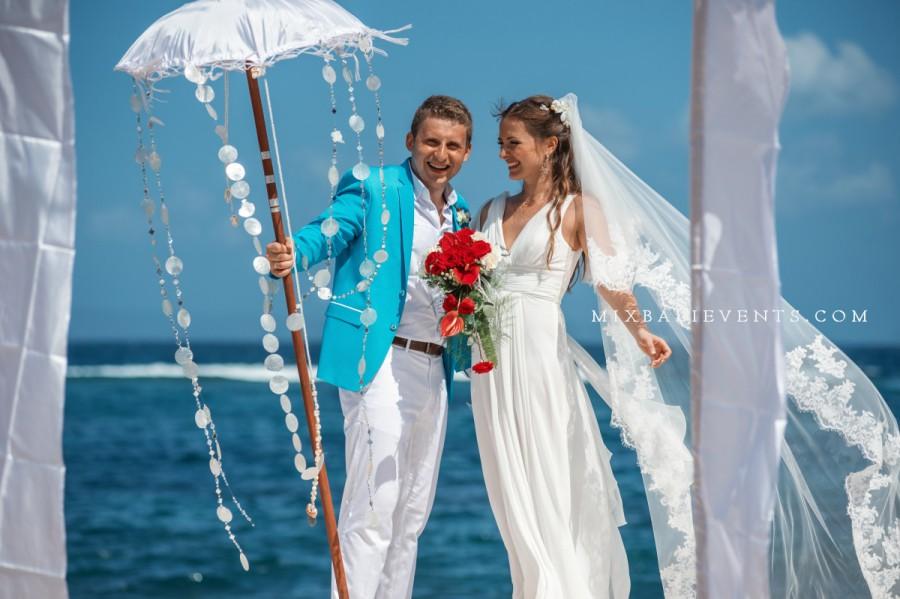 свадьба на бали, церемония на бали, свадебная церемония на бали, организация свадьбы на бали, свадьба в красном цвете, фотограф на бали, свадебная фотосессия на бали, яркая свадьба, свадьба, бали