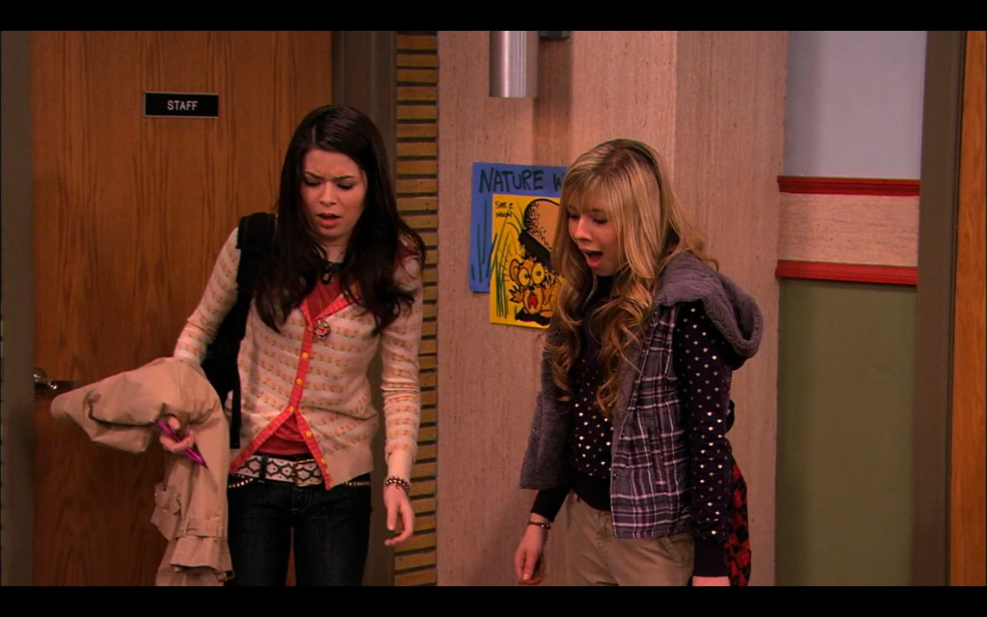 icarly ispeed date gagged Sam ties up carly preston corey preston sam and carly got kidnapped, they are being held bound and gagged carly sam and freddie tied up - icarly answers.
