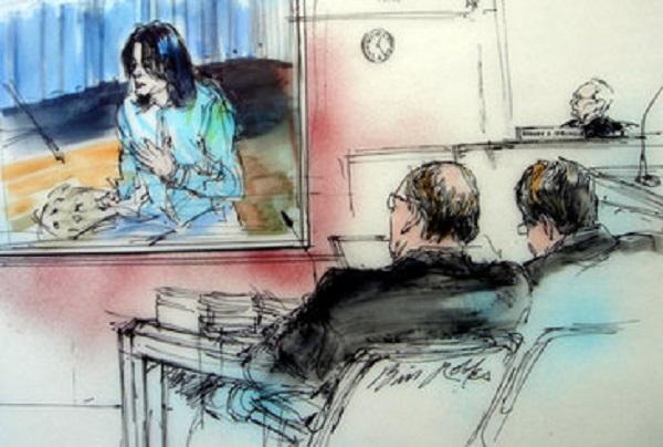 В суде показывают отрывки из записей Башира, которые не вошли в его фильм. На переднем плане = прокуроры Снеддон и Зонен