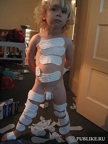 мальчик и прокладки