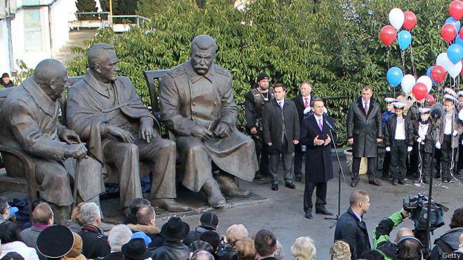 150205190608_yalta_monument_inauguration_624x351_getty