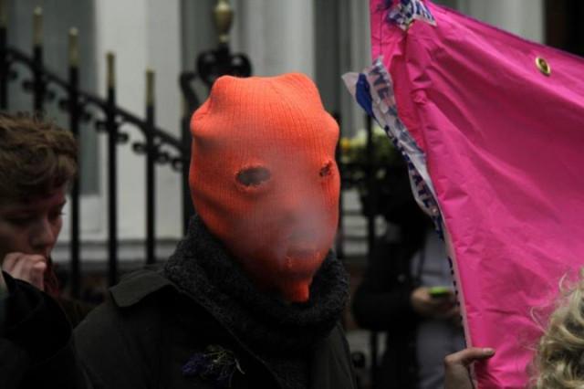 Free Pussy Riot - Nadezhda Tolokonnikova, Maria Alekhina, Ekaterina Samusevich - at the Russian Embassy in London, photography Darren Adams